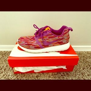 Nike Rosherun Flight Weight GS Sneaker